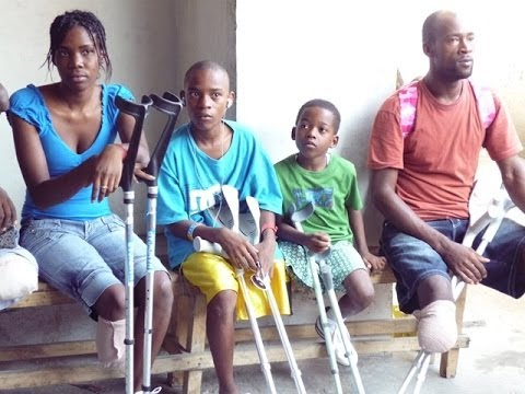 Physiotherapie for amputees in Haiti 2012   Tom Cruz