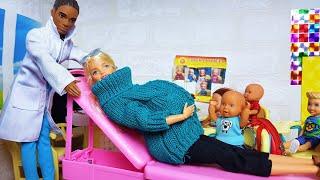 Фото ИЗ ШКОЛЫ В БОЛЬНИЦУ! Куда повезли беременную учительницу Барби Катя и Макс веселая семейка сериал
