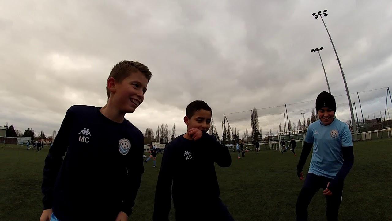 Les jeunes du Tours FC vous souhaitent une BONNE ANNEE 2021