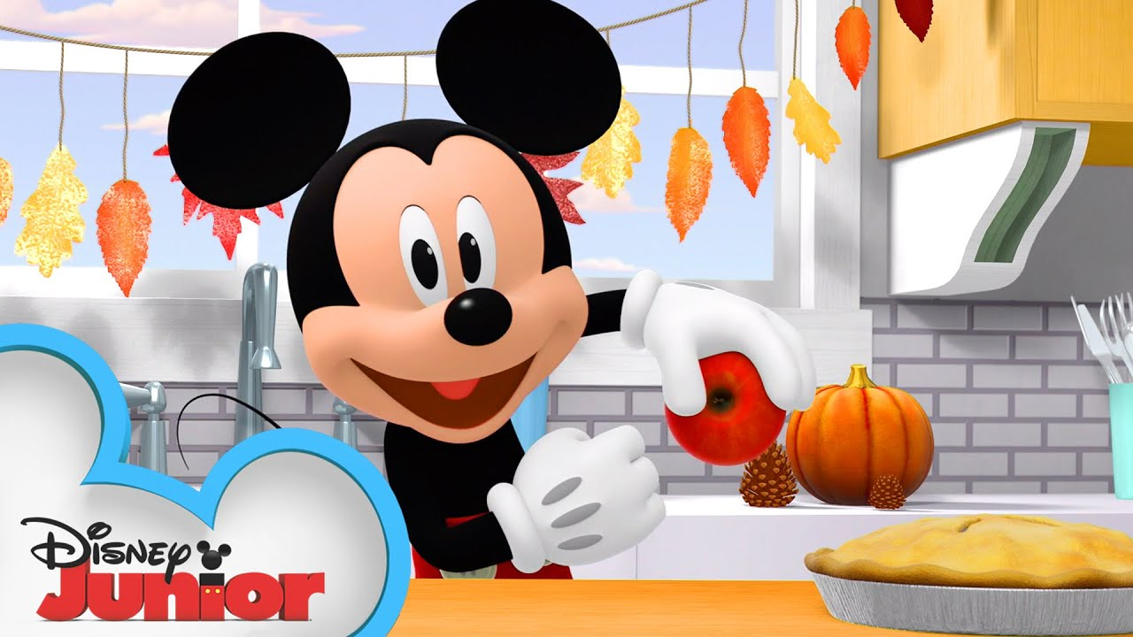 Thanksgiving with the Happy Helpers 🦃    Mickey Mouse Mixed-Up Adventures   Disney Junior
