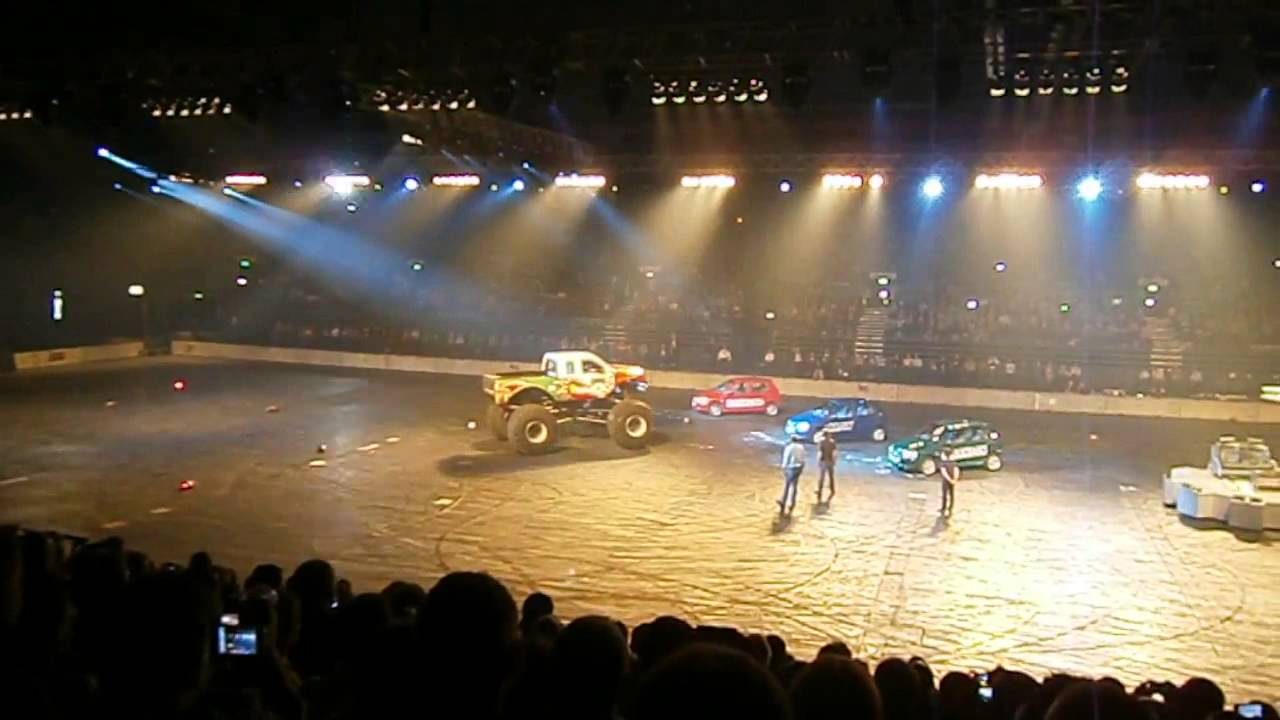 Top Gear Live   Red dragon monster truck