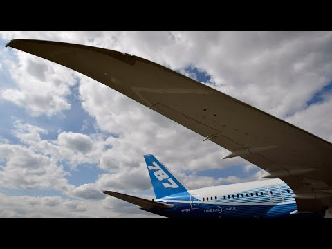 Bad headlines test pilots' trust in Boeing, FAA