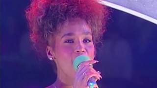 Whitney Houston - Saving All My Love For You (Live)