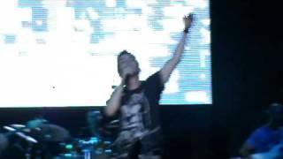 Mixalis Xatzigiannis-Emeis oi duo san ena - Live @ Theatro Vraxwn [HQ]
