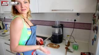 Говядина в духовке с томатным соусом.