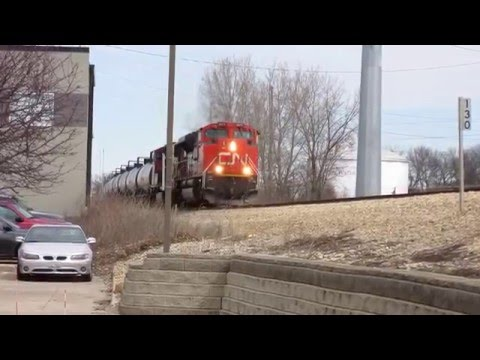 Canadian National DPU Oil Train Through Urbana-Champaign, Illinois