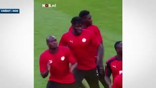 Download Video Le drôle d'échauffement de Sadio Mané et de  l'équipe du Sénégal MP3 3GP MP4
