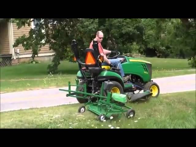 Zoysia Grass - John Deere 1026 and Homemade Ditch Mower!