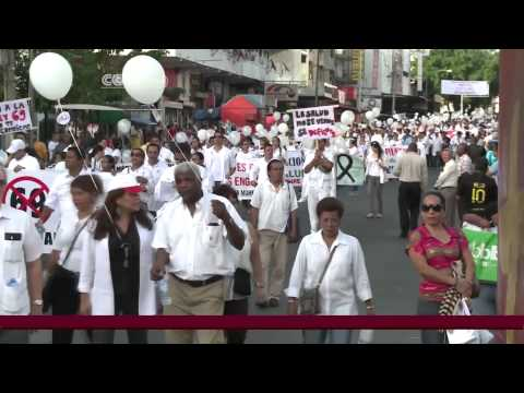 Panama doctors protest foreign recruitment law