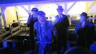 Cadaver Dans [Dapper Dans] Sing Grim Grinning Ghosts At Walt Disney World's Magic Kingdom!