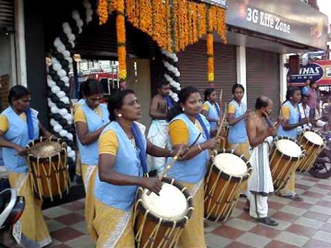 SINKARI MELAM (LADIES) at ALUVA, KERALA, INDIA HYGNES JOY PAVANA MOV09620