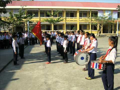 Hội thi múa hát sân trường và nghi thức đội năm học 2010   2011