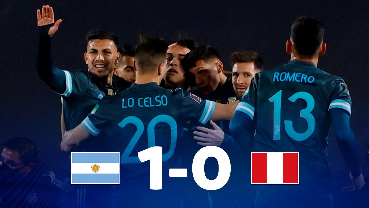 Argentina le ganó a Perú y sigue invicto