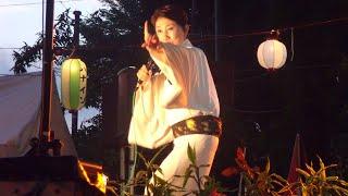 東京、町田市内にある団地の40周年夏祭りで行われた水前寺清子さんのシ...