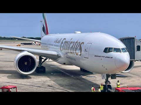 [HQ] Landing Boeing 777-300ER Emirates to Phuket HKT (from Dubaï DXB)