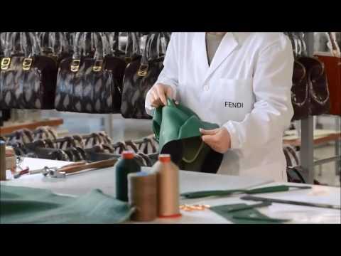 Крупнейший модный торговый дом цум предлагает коллекцию солнечных очков марки prada. Широкий ассортимент, удобная и быстрая доставка, возможность примерки и бесплатный возврат.