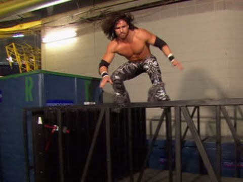 Raw: John Morrison practices parkour, the art of movement