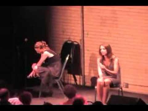 Taryn Hicks and Kelly singing