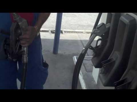 Que gasto de la gasolina a audi 100 2.3