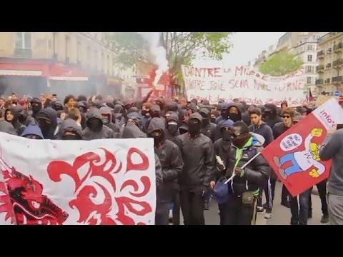 أعمال عنف تتخلل مظاهرة عمالية في باريس  - 19:21-2017 / 4 / 29