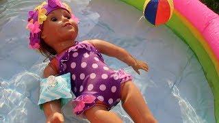 Oyuncak Bebeğim American Girl Havuzda Eğlenirken Pijamaskeliler Geliyor!  Bidünya Oyuncak