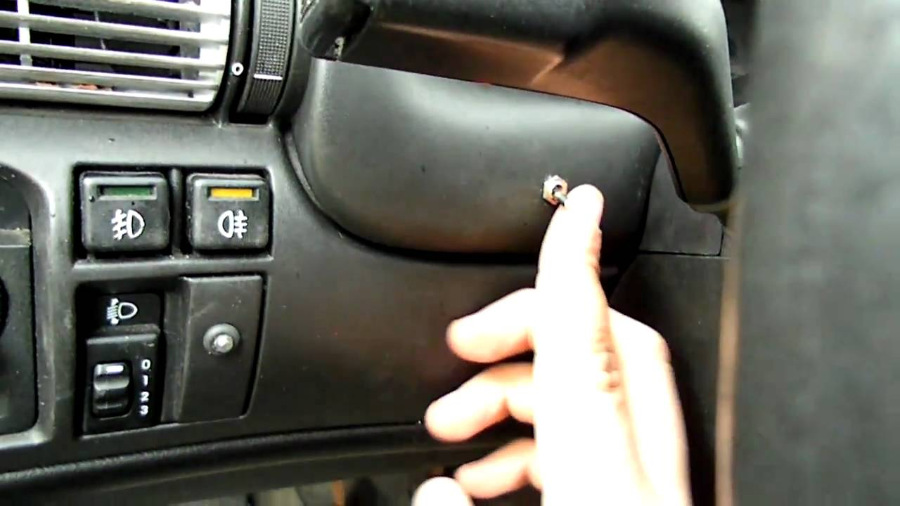 Astra F - wentylator chłodnicy załączany manualnie - YouTube