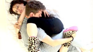 Repeat youtube video HOW TO CUDDLE