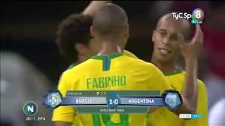 Argentina perdió sobre el final ante Brasil