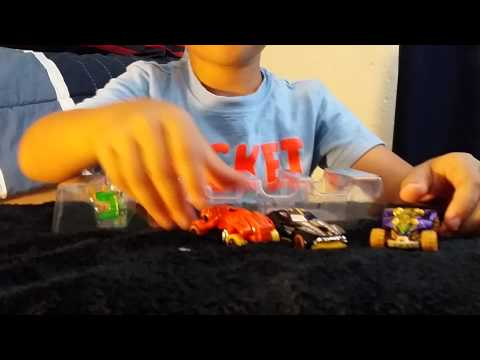 Santiago's Adventures Hot Wheels review