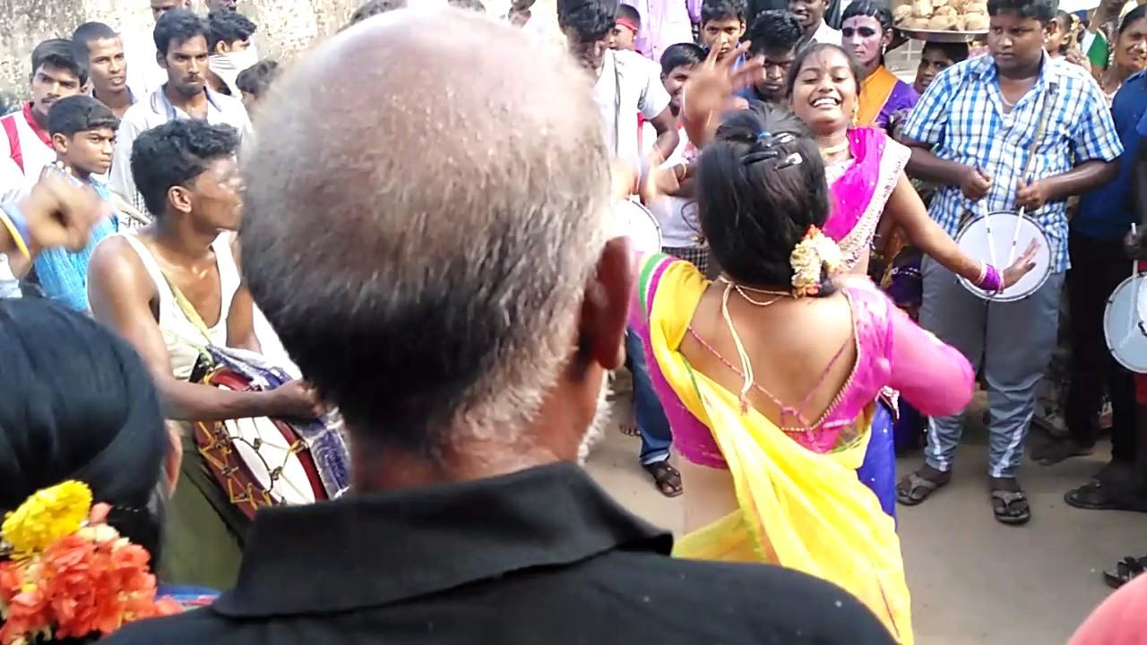 Tamil Girls Kuthu Dance