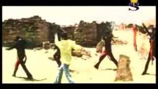 Download Hindi Video Songs - En KaNnodU