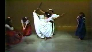"LINDA VERA ""La Pollera Colora""  un video viejo de mami (Rosa"