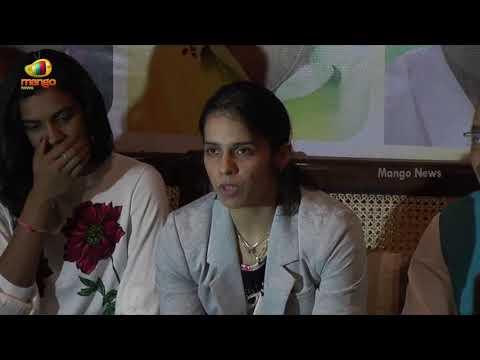 Saina Nehwal About World Badminton Championship 2017   PV Sindhu   Mango News