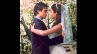 Деймон и Елена Свадебный альбом