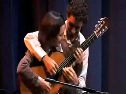 Chơi guitar 4 tay - Choi guitar 4 tay.flv