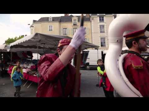 """Filmé par l'Art en boîte : """"Les Ravouilleurs"""" - Compagnie Jo Bithume"""