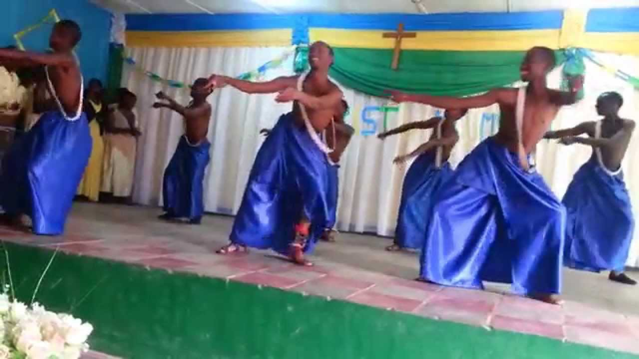Collège du Christ Roi Nyanza - YouTube