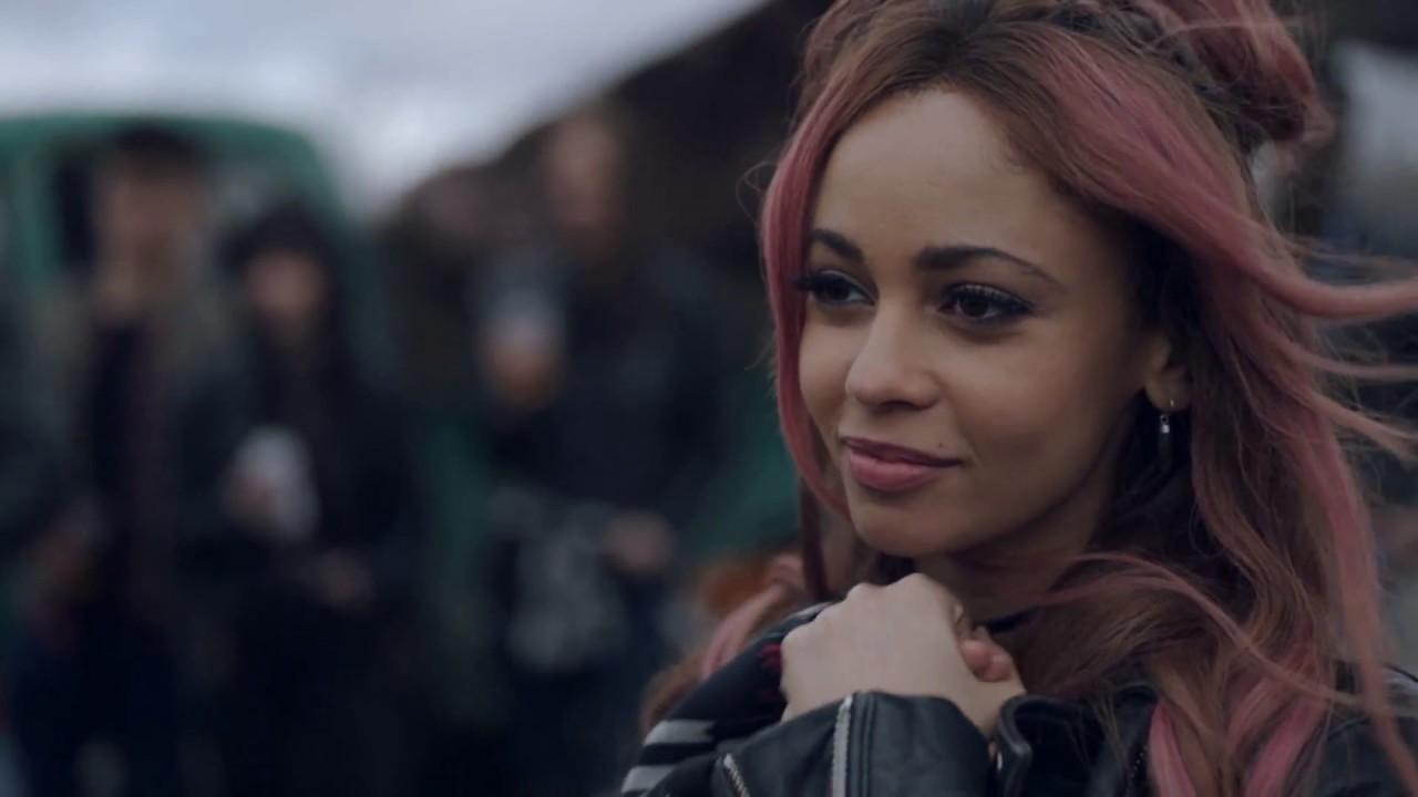 Cheryl Gets Her Serpent Jacket Cheryl Blossom Hd Riverdale