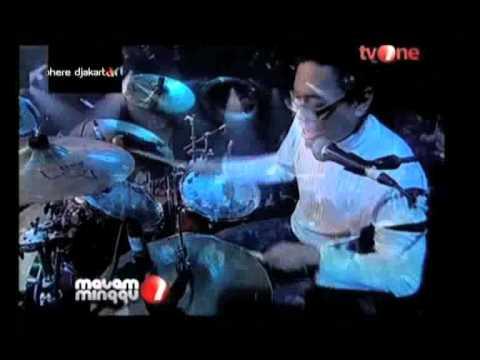 Djakarta Artmosphere 2009: Efek Rumah Kaca ft. Doel Sumbang