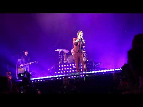 Harry Styles - Woman - Live on Tour Antwerp