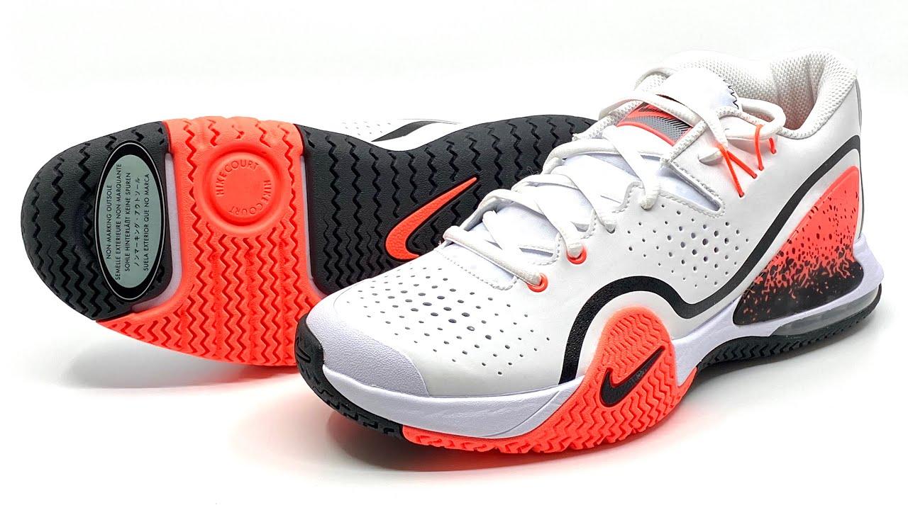 NikeCourt Tech Challenge 20