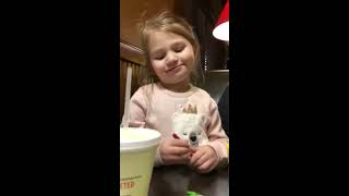 Little Girl Thinks Grinch Stole her Christmas Present - 1020599