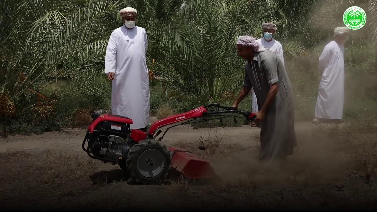 توزيع 1200 حراثة يدوية على المزارعين في مختلف محافظات السلطنة