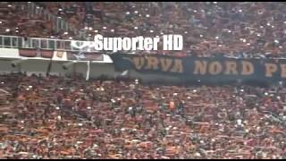 Download Video Aremania Menghormati The Jak Mania Saat Persija Vs Arema FC Di Stadion GBK MP3 3GP MP4