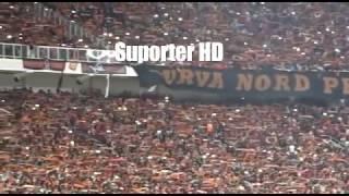 Aremania Menghormati The Jak Mania Saat Persija Vs Arema FC Di Stadion GBK