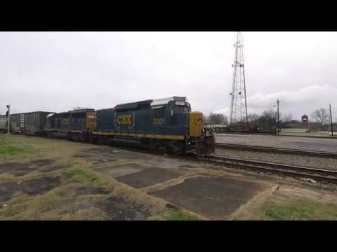 GP30 Slug Leads CSX Yard Job