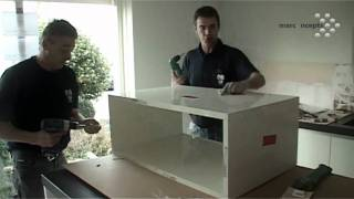 montage en installatie van een nieuwe keuken, een videoverslag