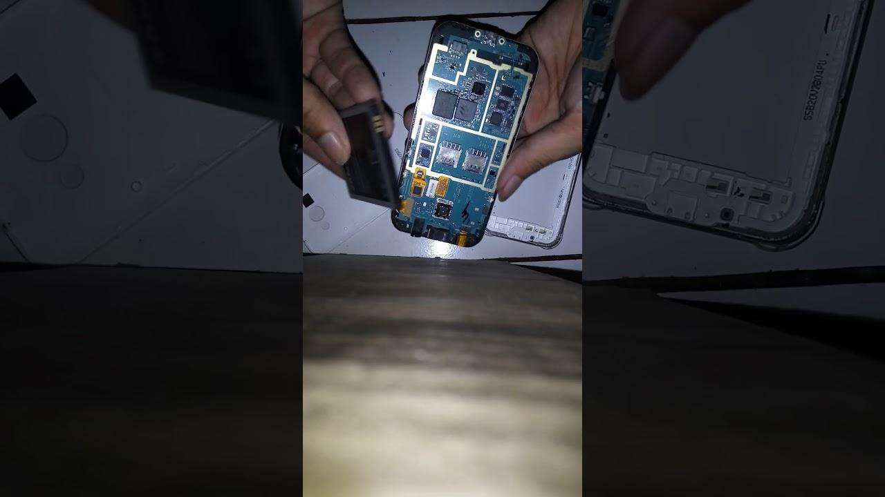 Bongkar Samsung J1 Ace Ciri Kerusakan Ic Emmc Youtube