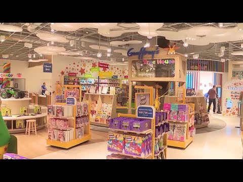 Toys R Us Opens First Store Since Declaring Bankruptcy
