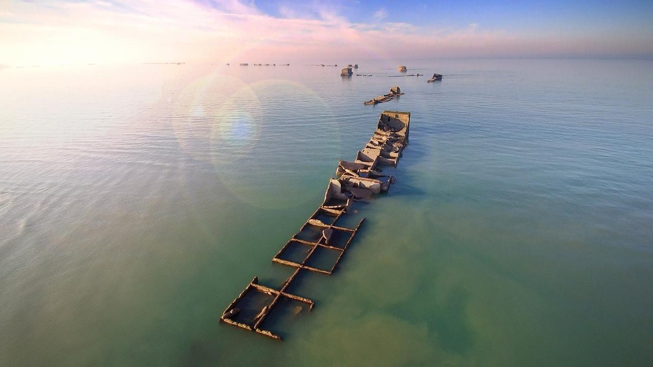 Le port artificiel d 39 arromanches youtube - Port artificiel d arromanches construction ...
